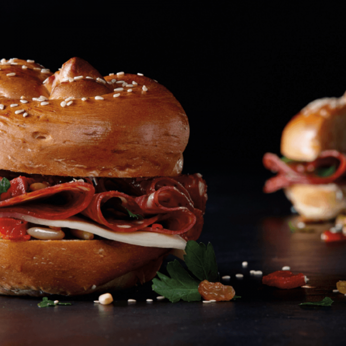 Sandwiches with Mild peppers Salami, raisins and pine nuts
